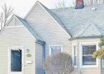 Foreclosed Home en WASHTENAW ST, Harper Woods, MI - 48225