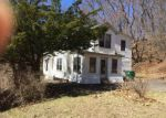 Foreclosed Home en BRITTON ST, Chicopee, MA - 01020