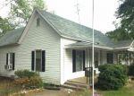Foreclosed Home en S BROAD ST, Commerce, GA - 30529