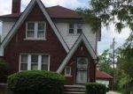 Foreclosed Home en METTETAL ST, Detroit, MI - 48227