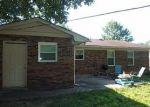 Foreclosed Home en SUNDART DR, Lexington, KY - 40517