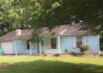 Foreclosed Home en WOOD PATH DR, Stone Mountain, GA - 30083