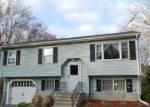 Foreclosed Home en RICHARDSON HILL RD, Jewett City, CT - 06351