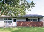 Foreclosed Home en PENSIVE LN, Levittown, PA - 19054