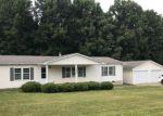 Foreclosed Home en POWELLS STORE RD, Glade Hill, VA - 24092
