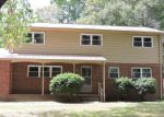 Foreclosed Home en SCHOOL LN, Yorktown, VA - 23692