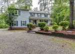 Foreclosed Home en LORNA DOONE DR, Yorktown, VA - 23692