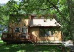 Foreclosed Home en MURPHY CIR, Bushkill, PA - 18324