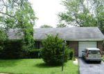 Foreclosed Home en BERKSHIRE DR, Hanover Park, IL - 60133