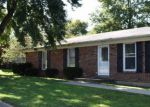 Foreclosed Home en MOLLY ST, Versailles, KY - 40383