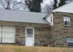 Foreclosed Home en GREENHILL RD, Lansdowne, PA - 19050