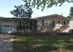 Foreclosed Home en HOLIDAY AVE, Hazelwood, MO - 63042