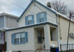 Foreclosed Home en LYND ST, Perth Amboy, NJ - 08861