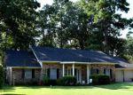 Foreclosed Home en RIDGEMONT DR, Pineville, LA - 71360