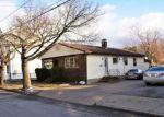 Foreclosed Home en FALLON AVE, Providence, RI - 02908