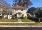 Foreclosed Home en PARSONS DR, Hempstead, NY - 11550