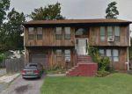 Foreclosed Home en JEFFERSON AVE, Bay Shore, NY - 11706