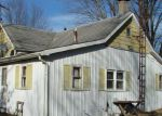 Foreclosed Home en PARKSVILLE LN, Staunton, IL - 62088