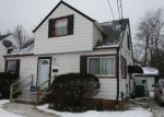 Foreclosed Home en HENRY ST, Maple Heights, OH - 44137