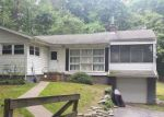 Foreclosed Home en CARLYLE RD, Hyde Park, NY - 12538
