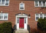 Foreclosed Home en CHERRY PARKE, Cherry Hill, NJ - 08002