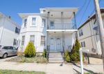 Foreclosed Home en WOOD ST, New Bedford, MA - 02745