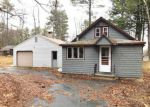 Foreclosed Home en MEADOW RD, Raymond, ME - 04071