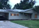 Foreclosed Home en E MILTON AVE, Youngsville, LA - 70592