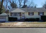 Foreclosed Home en DELAWARE DR, Stratford, CT - 06614