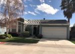 Foreclosed Home en NORTHCLIFF DR, Canyon Country, CA - 91351