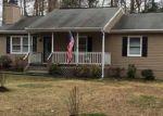 Foreclosed Home en SOMERSET DR, Ruther Glen, VA - 22546
