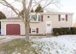 Foreclosed Home en JAYCEE DR, West Warwick, RI - 02893