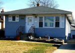 Foreclosed Home en N WALNUT ST, Elmhurst, IL - 60126