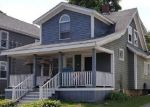 Foreclosed Home en FOREST ST, Taunton, MA - 02780