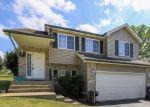 Foreclosed Home en JETHRO CT, Zion, IL - 60099