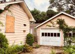 Foreclosed Home en VINEYARD AVE, Middletown, NJ - 07748