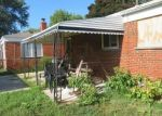 Foreclosed Home en TEPPERT AVE, Eastpointe, MI - 48021