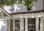 Foreclosed Home en E SHAG BARK LN, Streamwood, IL - 60107