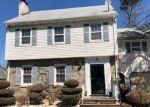 Foreclosed Home en LARCHMONT RD, Union, NJ - 07083