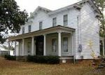 Foreclosed Home en W MAIN ST, Wakefield, VA - 23888