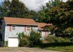 Foreclosed Home en LOCUST DR, Morris Plains, NJ - 07950