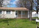 Foreclosed Home en PLUM TREE LN, Hazelwood, MO - 63042