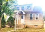 Foreclosed Home en ORCHARD AVE, Blackwood, NJ - 08012
