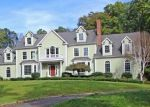 Foreclosed Home en TATETUCK TRL, Easton, CT - 06612