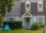 Foreclosed Home en N ELM TREE RD, Milwaukee, WI - 53217