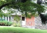 Foreclosed Home en FLORA LN, Marcus Hook, PA - 19061