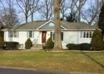 Foreclosed Home en WILBAR DR, Stratford, CT - 06614
