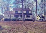 Foreclosed Home en GREEN FOREST DR, Colonial Heights, VA - 23834