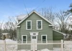 Foreclosed Home en WATER ST, Guilford, CT - 06437