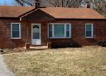 Foreclosed Home en DALEY AVE, Maryland Heights, MO - 63043